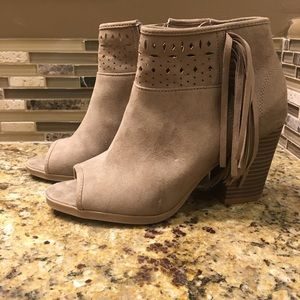 SO laser cut ankle boots